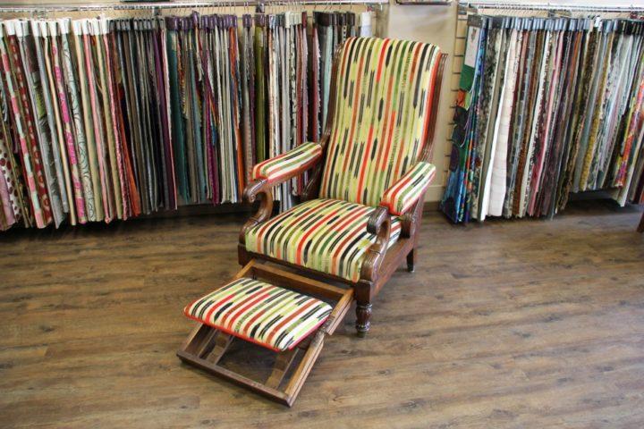 Renovation-d-un-fauteuil-Voltaire-avec repose pied