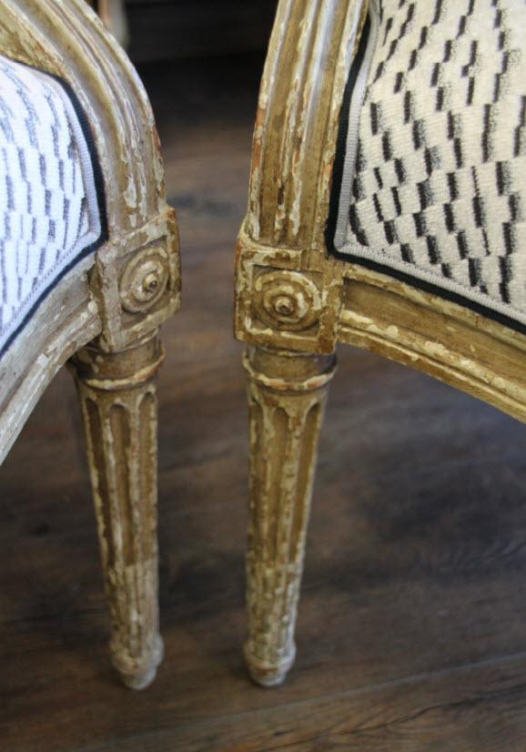 Pied de fauteuil Louis XVI