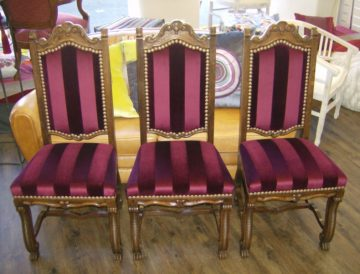 refection-ensemble-de-trois-chaises