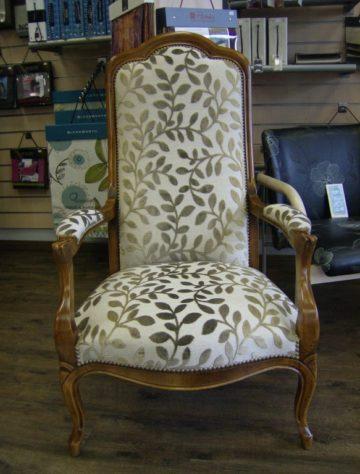 refection-fauteuil-tissu-blanc-et-gris