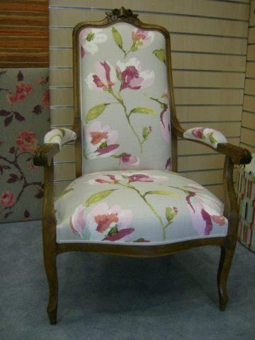 renovation-fauteuil-tissu-a-fleurs