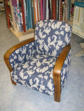 restauration-fauteuil-bleu-et-blanc