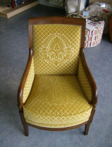 restauration-fauteuil-tissu-jaune-velours